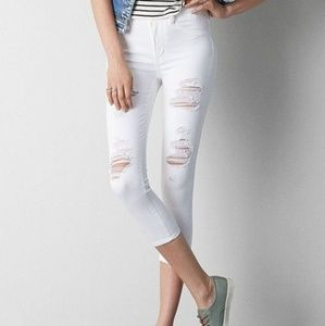 NWOT American Eagle Destroyed White Jeans 6 Reg.